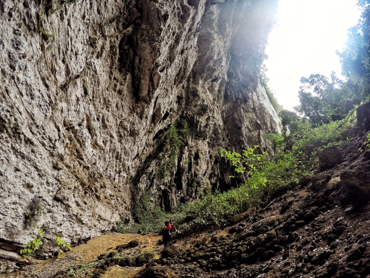 Exploring Langun-Gobingob caves on DIY